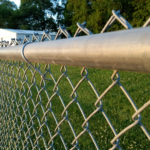 Fence – Learn how to put up a mesh